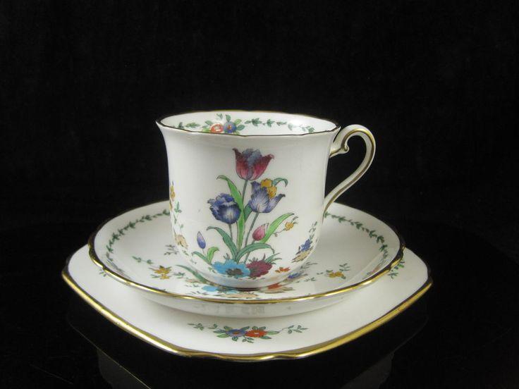 1000 bilder zu porcelain the white gold auf pinterest kaffeedosen vintage china und royal. Black Bedroom Furniture Sets. Home Design Ideas