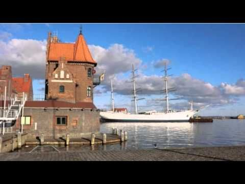Hiddenseer Hotel - Stralsund - Visit http://germanhotelstv.com/hiddenseer This hotel is a historic building beside the harbour in Stralsund. It offers a historic façade and a clear view of Stralsunds Old Town the Strelasund waterway and and the island of Rügen. -http://youtu.be/PjW1Pu7D2-A