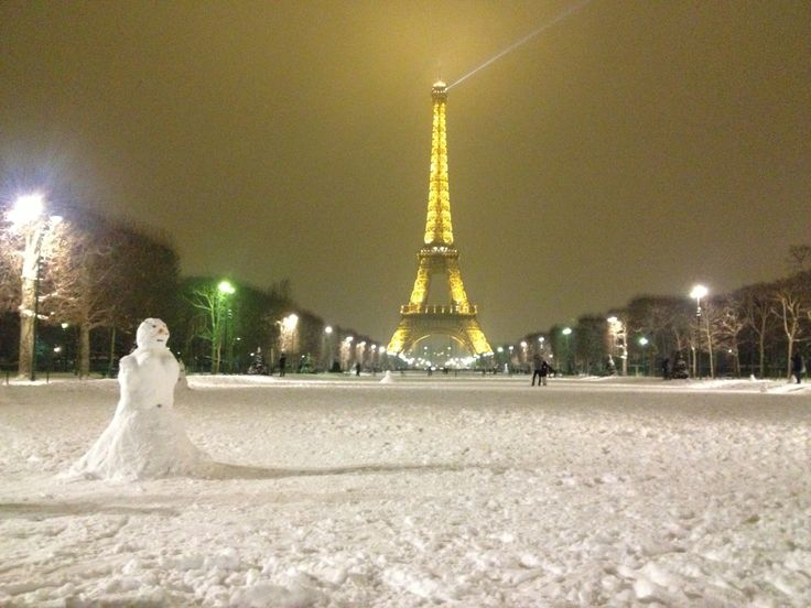 Eiffel Tower, Paris www.jetaimeskippy.com.au this is sublime!  #webdesigner #francophile #paris #skippy #jetaimeskippy #iloveyouskippy