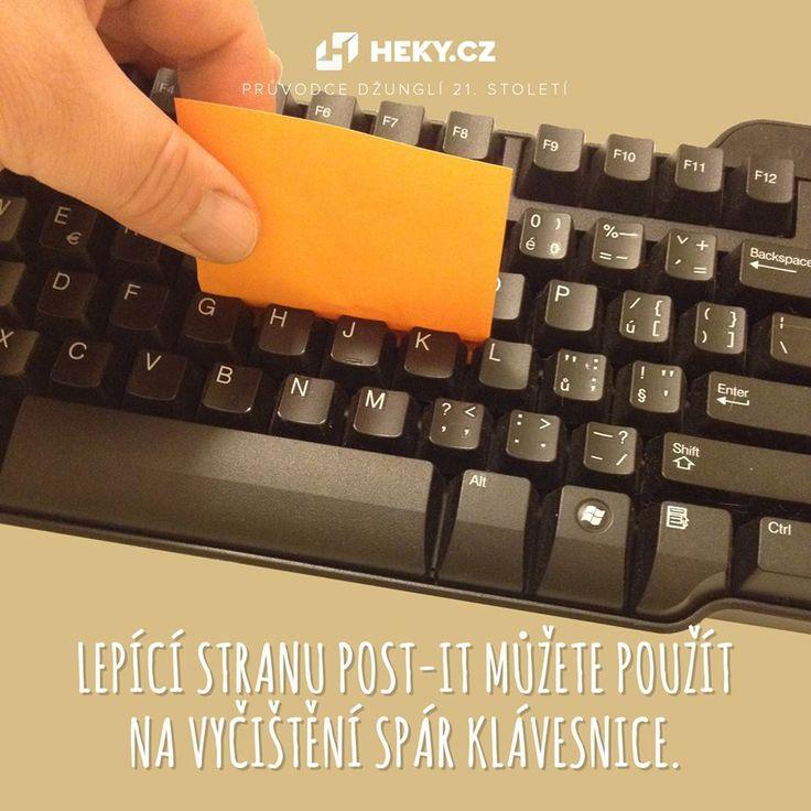 Lepící stranu Post-it můžete použít na vyčištění spár klávesnice.