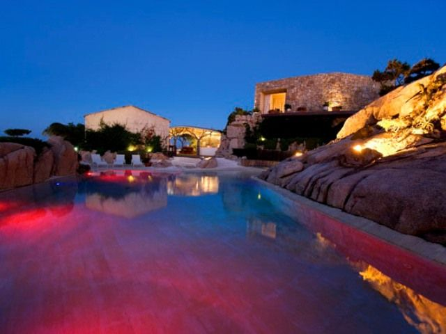 FOR RENT IN PORTO CERVO: EXCLUSIVE VILLA WITH BEAUTIFUL POOL AND SEA VIEWS IFISA5
