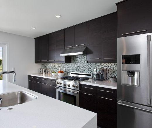 Kitchen Cabinet Lines: A Single Line Kitchen Layout Featuring Modern Walnut