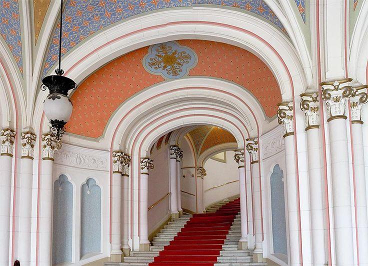 city hall Kecskemét (Hungary) architect: Ödön Lechner, Gyula Pártos