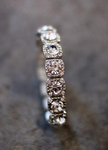 pretty pretty bracelet.Weddingrings, Right Hands Rings, Diamonds Bracelets, Pretty Pretty, Wedding Band Rings, Pretty Wedding Bands, Wedding Rings, Pretty Bracelets, Engagement Rings