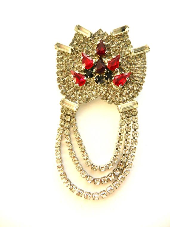 Beautiful diamante brooch  Festoon style pin covered entirely