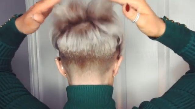 Grey Short Hair - Short hair for older women - #Grey #hair #Older #Short #Shorthairforolderwomen #Women
