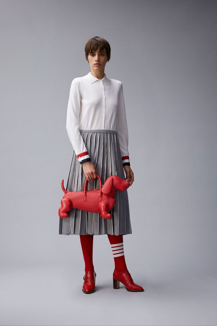 Dog Purse; baThom Browne Resort 2018 Collection Photos - Vogue