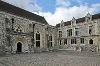 https://en.wikipedia.org/wiki/Winchester_Castle