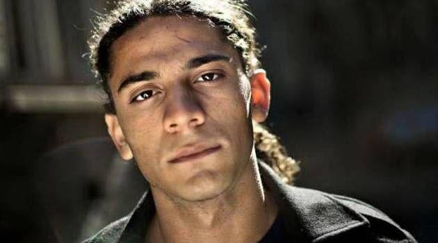 Svigt. »Så snart vores forældre landede i Kastrup, var det, som om deres rolle som forældre hørte op«, siger 18-årige Yahya Hassan, der er a...