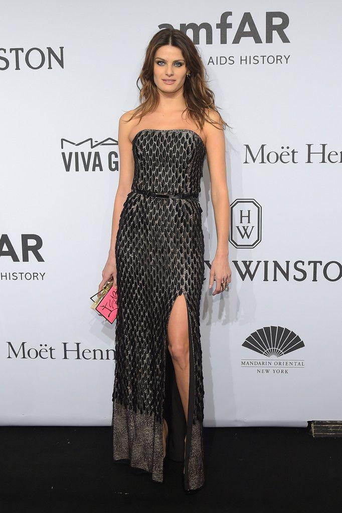 Isabeli Fontana attends the 2015 amfAR New York Gala