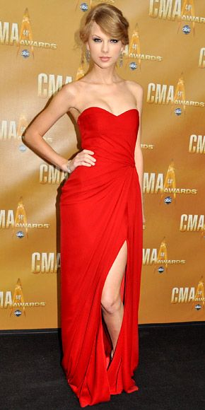 Red looks the best on her! <3