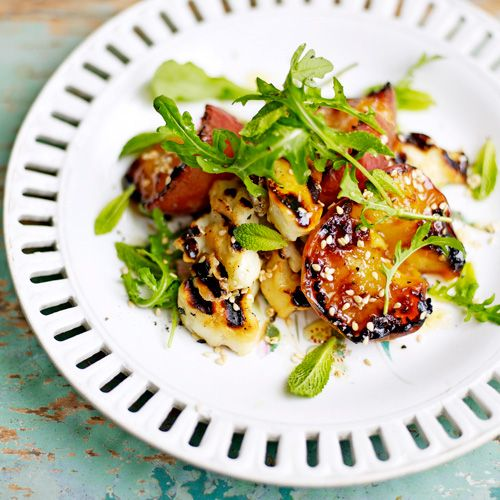 Salade van gegrilde halloumi & abrikozen - Jamie magazine