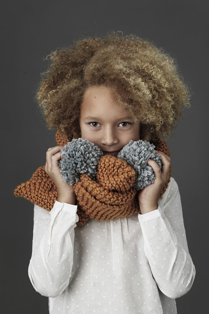 Cosy scarf www.pandurohobby.com  Panduro #knitting #DIY #knit #yarn