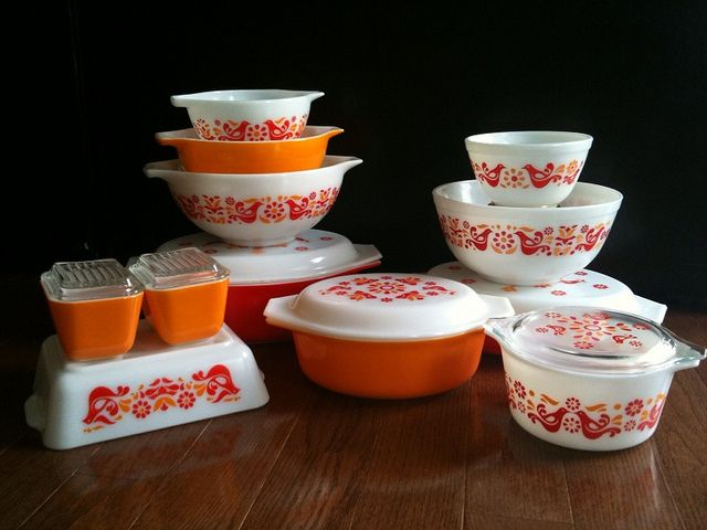 """Friendship Pyrex. My favorite!!! They aren'tr showing one of the 2 pieces I have, though! A 13x9"""" baking dish"""