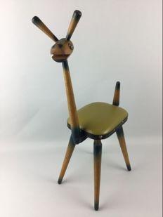 """Bijzondere kinder kruk """"giraffe"""", tweede helft 20e eeuw."""