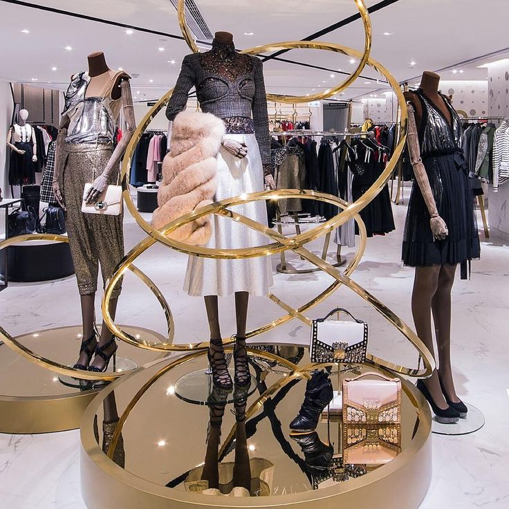 "HARVEY NICHOLS, Hong Kong, ""Revolutionise your Style"", pinned by Ton van der Veer"