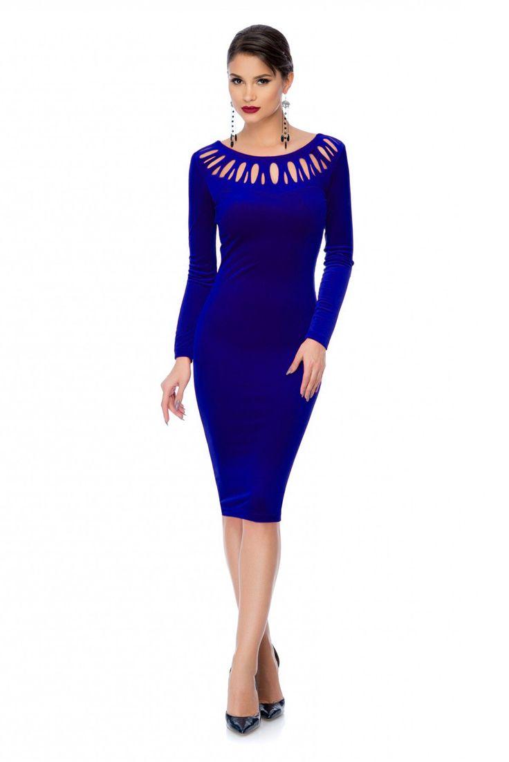 Rochie Charisma Albastra - Rochie din catifea albastra cu decupaje ce ii da un look interesant si elegant. Este o rochie sexy ce iti pune in valoare frumusetea.  Atentie! Acest articol se va livra incepand cu data de 22.12.2015! material elastic maneci lungi decupata la baza gatului fara fermoar Dimensiuni disponibile: S, M, L, XL Colectia Rochii de seara scurte de la  www.rochii-ieftine.net