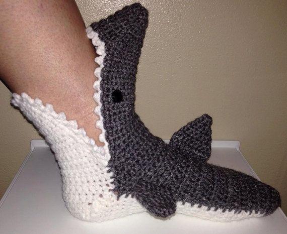 Knitted Shark Socks Pattern : Best 20+ Shark socks ideas on Pinterest Awesome socks, Crochet shark and An...