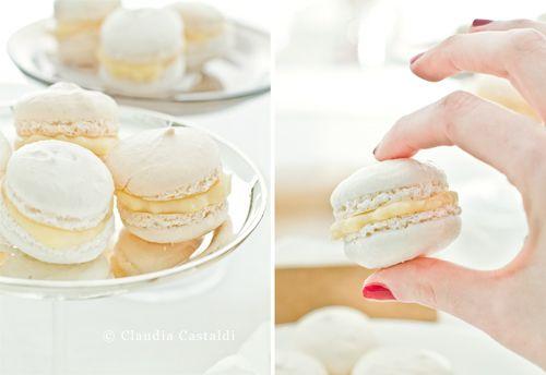 making lovely white cream macarons