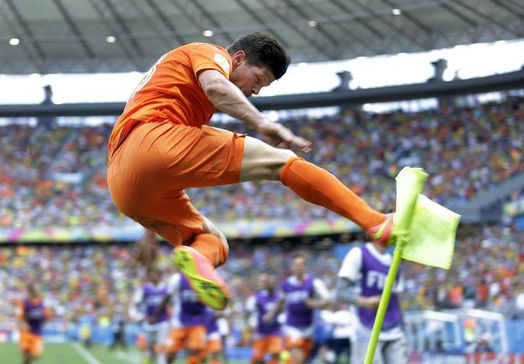 Oranje in achtste finales tegen Mexico: 2-1!! Nederland door!