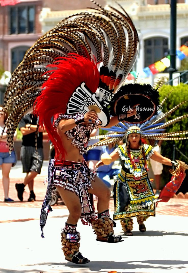 Bf Caa Dfe Ca Eed Bf D A on Aztec Dancer In Mexico