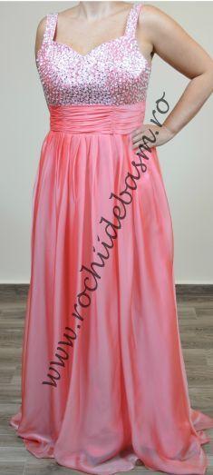Rochie de seara roz cu paiete si margele #rochiideseararoz #rochiidesearacuaplicatii #pinkeveningdresses