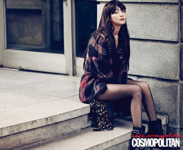신민아의 록 시크 모먼트 | 코스모폴리탄 (Cosmopolitan Korea)