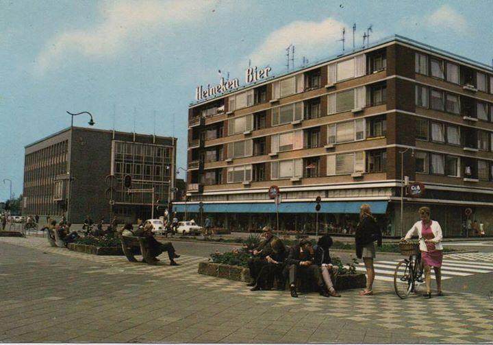 jaren 70 . Stationsplein !