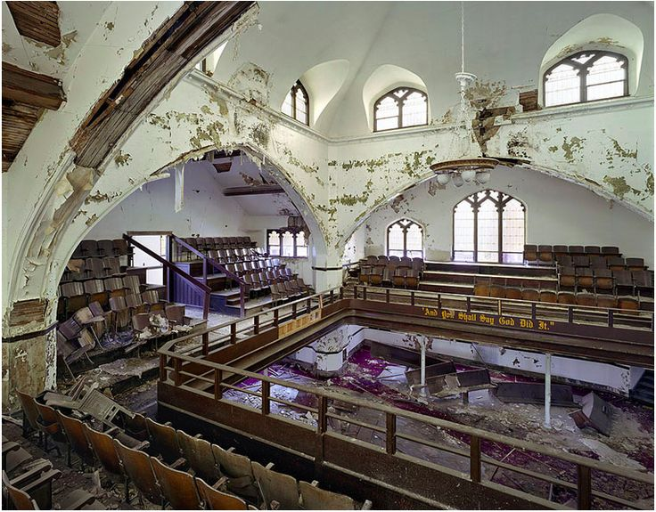 detroit abandoned buildings photo essay