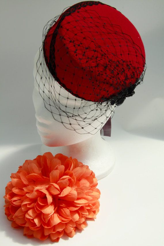Elegant Pill Box Style Hat by SiogDesign on Etsy, €84.56