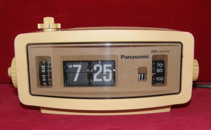 VINTAGE PANASONIC FLIP RADIO   65$