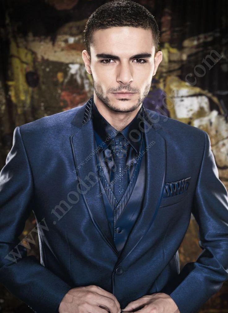 Тёмно-голубой классический мужской костюм-тройка (с жилетом)   рубашка   галстук