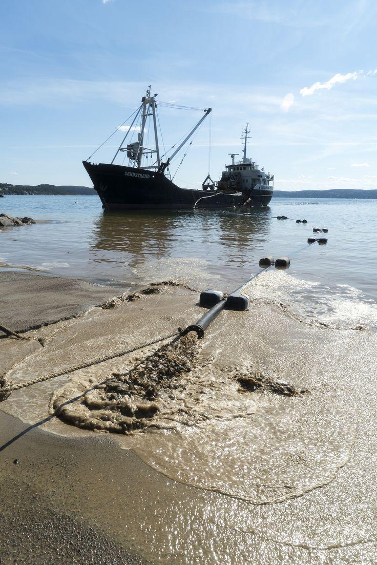 https://flic.kr/p/JymD7n   Påfyll av sand på Oslos strender   Nordstrand sjøbad