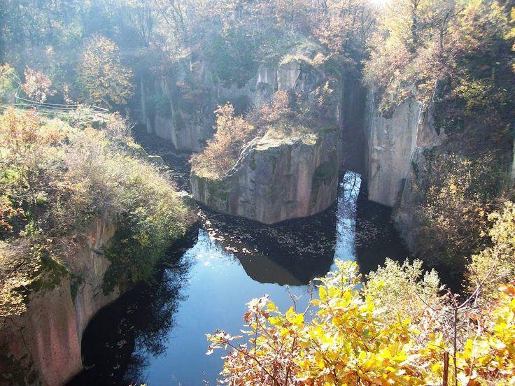 Megyer-hegyi tengerszem / Tarn of Megyer Mountain (panoramio.com)
