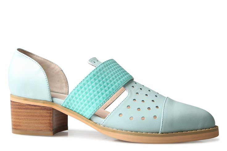 Shoe Connection - Oli - Grove cut-out leather loafer. $199.99 https://www.shoeconnection.co.nz/womens/shoes/loafers/oli-grove-cut-out-loafer?c=Mint