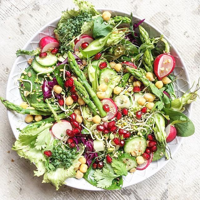WEBSTA @ curlew_and_dragonfly - Last post for today....promised!Yesterdays #fridgecleanout #salad with everything #veggie I could find in the fridge : #puntarelle #babyspinach #cress #redcabbage #redradish #chickpeas #pomegranate #jewels #greenasparagus, radish sprouts, cilantro, baby cucumber, roasted sesame and hazelnut bits, #radicchio and a #dukkah , olive oil and crema bianco dressing!I won't be in my kitchen for the next three days, finally off to Mumbai tomorrow, so I'll catch up when…
