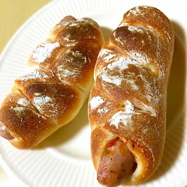 やっぱりウインナーとパンはばっちぐーですわ^ ^ - 44件のもぐもぐ - レモン&パセリソーセージパン by でおでお