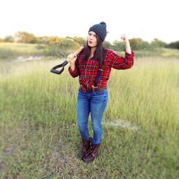 Last minute Halloween costume ideas up on the blog! Check it out lumberjack diy costumes