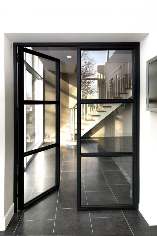 Woodline - Trappen Smet Houten kader zwart gelakt uitzicht zoals stalen deuren met klaar glas en ingefreesde handgreep