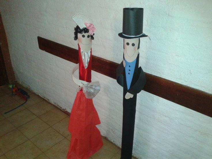 damas y caballero tubos de cartòn