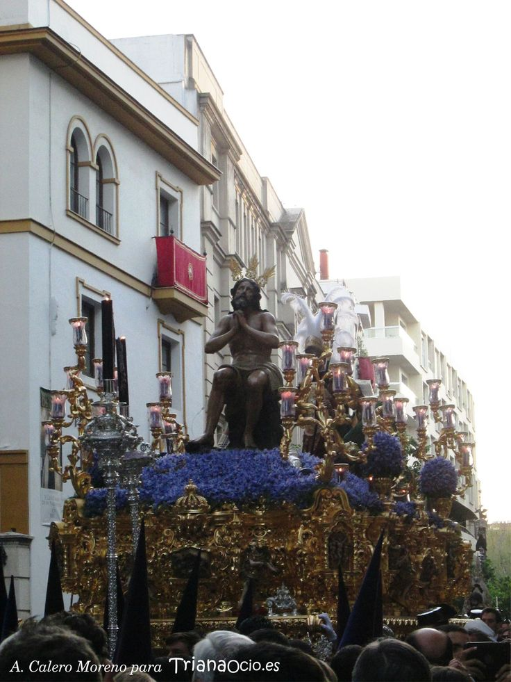 Hermandad de la Estrella de Triana, Sevilla · Domingo de Ramos. Semana Santa 2015 www.trianaocio.es/ Triana Ocio | Agenda Cofrade