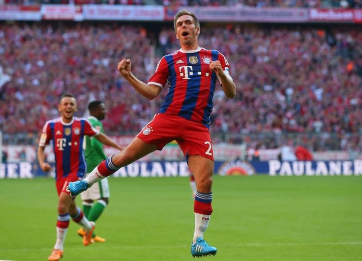 Philipp Lahm's 200th Bundesliga match and he scores two goals! Bayern vs Bremen 18.10.14