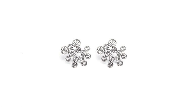 Liliana Guerreiro | Collections - Handmade silver earrings, using a filigree technique