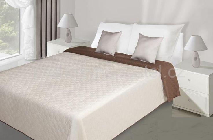 Oboustranný přehoz na postel krémově hnědé barvy