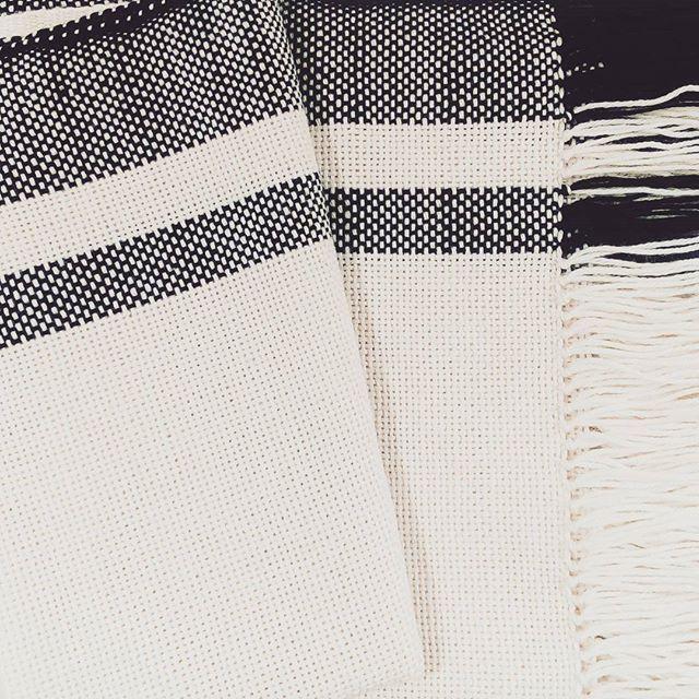 Colección en proceso. Lineas simples. Hecho artesanalmente por tejedoras de Buenos Aires. . . . . #weareobra #tejidos #fibrasnaturales #buenosaires #bonaerense #telar