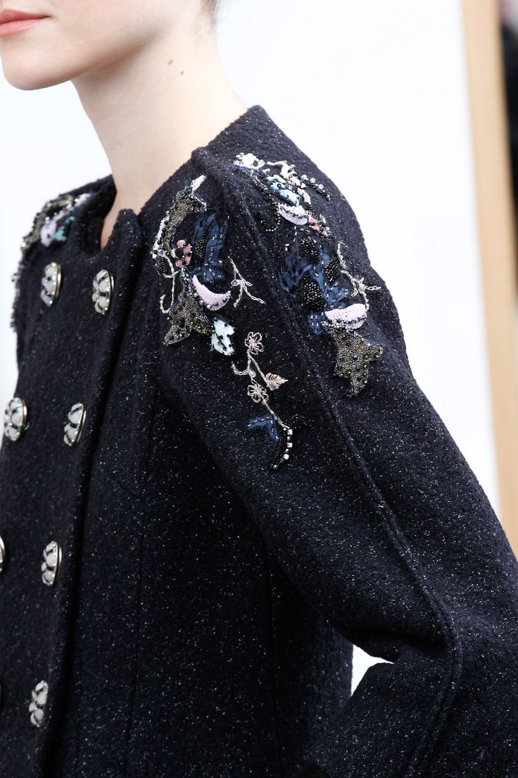 See detail photos for Chanel Fall 2016 Couture collection.