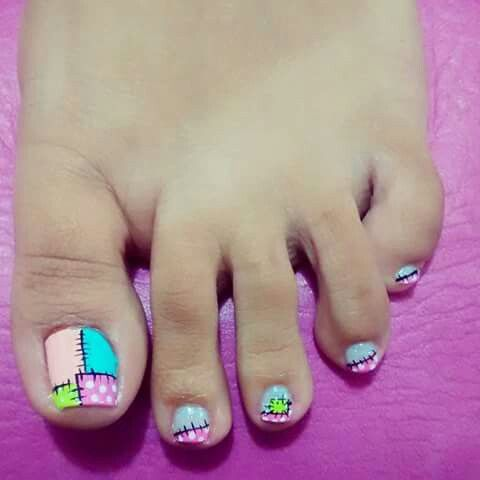 Toe Nail Art....Cute as a bugs ear!