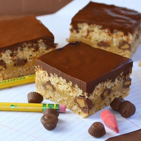 chocolate peanut butter rice krispies -  isso deve ser pouco bom...