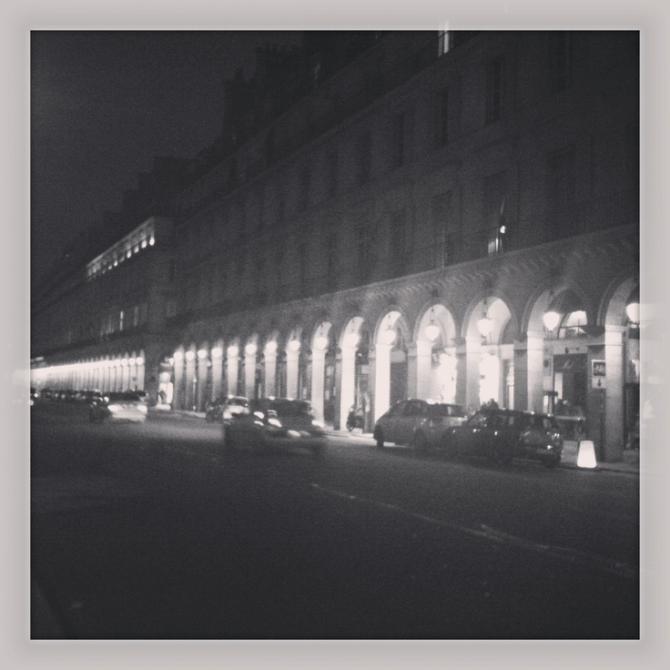 rue de rivoli en 2013 parisbynight favorite places spaces pinterest. Black Bedroom Furniture Sets. Home Design Ideas