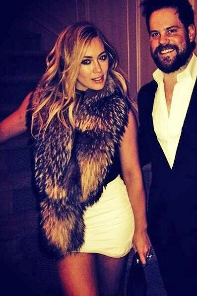 Hilary Duff obsessed with this outfit and her